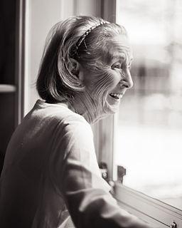 Pengeluaran kolagen mula lambat dan kedutan mula terjadi apabila usia meningkat.